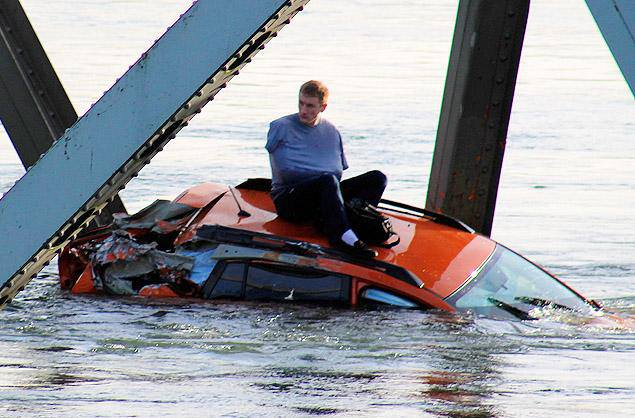 Seattle interstate bridge collapses dumping cars, people into frigid river
