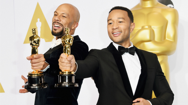 Lonnie Lynn aka Common (L) and John Stephens aka John Legend winners of the Best Original Song Award for 'Glory' from 'Selma' pose in the press room during the 87th Annual Academy Awards at Loews Hollywood Hotel on February 22, 2015 in Hollywood, California. (Photo by Jason Merritt/Getty Images)