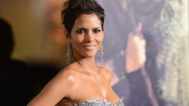 Actress Halle Berry arrives at Warner Bros. Pictures' 'Cloud Atlas' premiere at Grauman's Chinese Theatre on October 24, 2012, in Hollywood, California. (Photo by Jason Merritt/Getty Images)