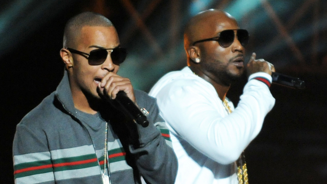ATLANTA, GA - OCTOBER 01: Young Jeezy and T.I. perform at the BET Hip Hop Awards 2011 at Boisfeuillet Jones Atlanta Civic Center on October 1, 2011 in Atlanta, Georgia. (Photo by Chris McKay/Getty Images)