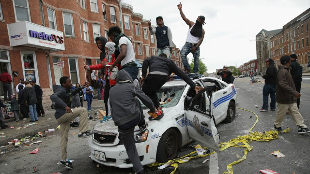 Riots in Baltimore raises questions about police response