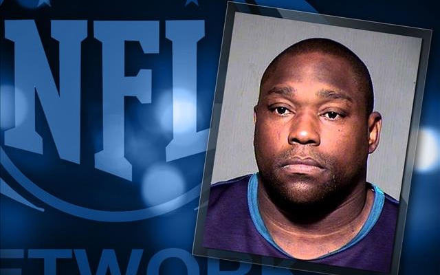 Warren Sapp accused of biting, stomping on girlfriend